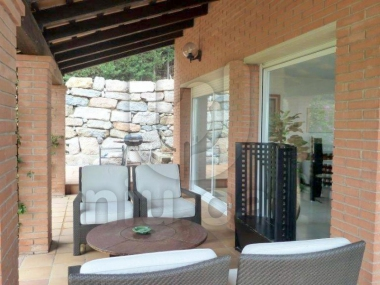 635 | Garden villa with pool for sale on the costa del maresme
