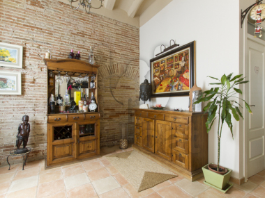 M19023 | Village house for sale in downtown badalona