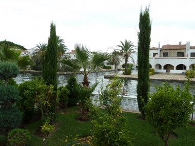 752 | Beautiful house with own mooring for sale in empuriabrava