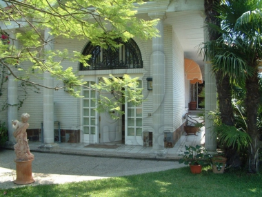 M17055 | Large neoclassical house in Cabrils