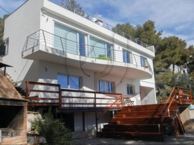 M18094 | Spectacular villa for sale in Cunit.
