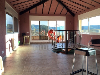 774 | Spacious family home with garden for sale in Llinars del Vallés