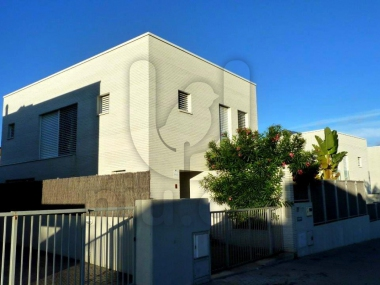720 | Superb detached house with pool for sale in Montgat