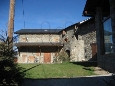 0381-00083 | Queixans of cerdanya, renovated farmhouse.